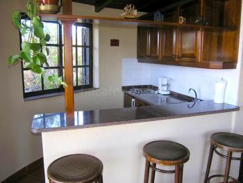 Küche und Frühstückstresen