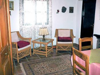 Wohnküche mit Sitzplatz App. 2