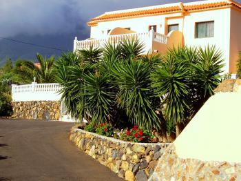 Ferienwohnungen mit Pool und Meerblick