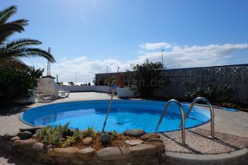 Ferienhaus mit Pool und strandnah