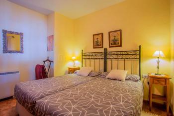 Schlafzimmer mit 2 Einzelbetten,