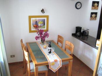 Esszimmer neben der Küche
