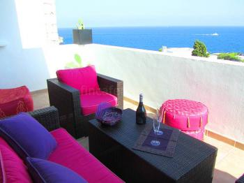 Apartment mit Meerblick in Roca Llisa