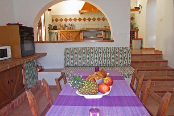 Küche mit Esstisch - untere Ebene