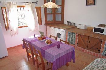 Küche mit Geschirrspüler - untere Ebene