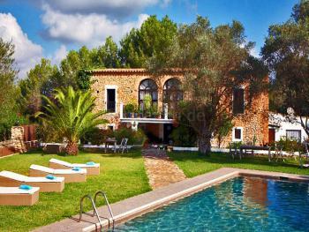 Ibiza Finca mit Pool und Gästehaus