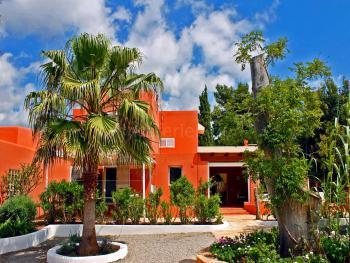 Finca auf Ibiza mit Pool und Klimaanlage