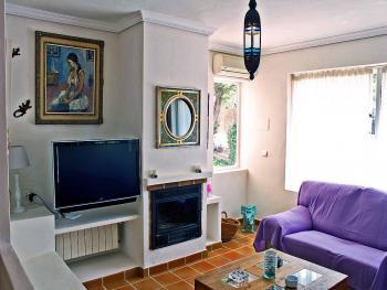 Wohnzimmer Sat-TV und Internet W-LAN